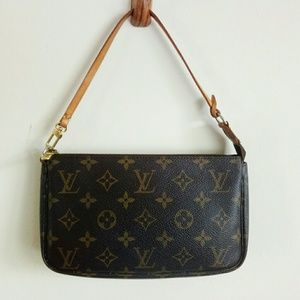 Louis Vuitton Bags - Auth Louis Vuitton accessories pochette hand bag